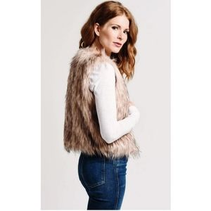 BB Dakota Jackets & Coats - NWT BB Dakota Barbarella Faux Fur Vest S